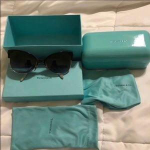 🕶TIFFANY CAT EYE SUNGLASSES🕶